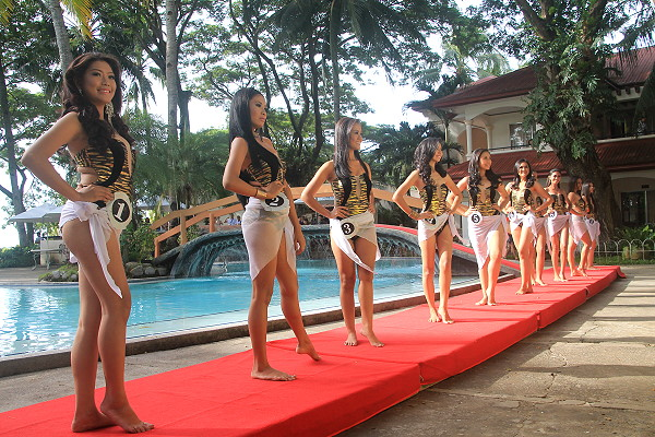 masskara queen 2016 swimsuit competition group photo before the judges