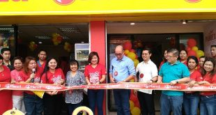 merzci libertad cutting of ribbon