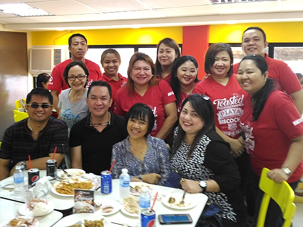 merzci staff with the negros bloggers