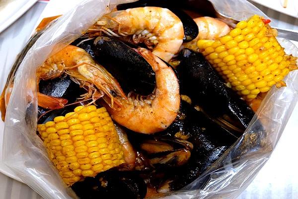 Choobi Choobi Seafood in a Bag - Seafood Barkada