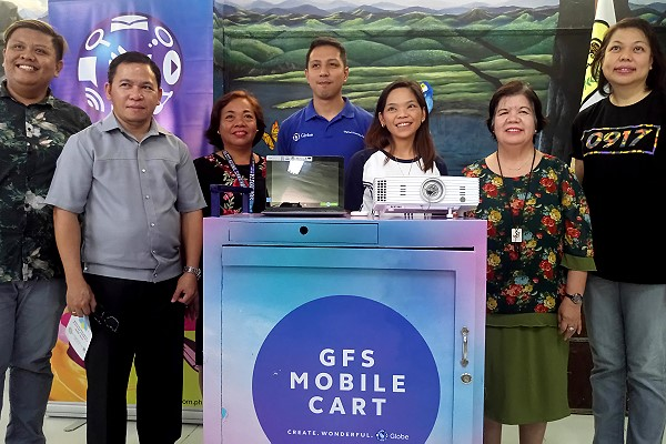 Cebu Nat'l Science High School receives GFS Mobile Tech Cart