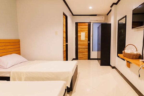 Mahogany Tourist Inn - Bacolod Low Priced Pension Houses