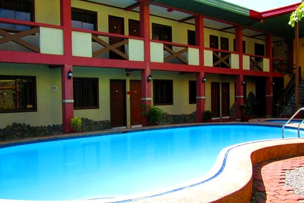Saltimboca Tourist Inn - Bacolod Low Priced Pension Houses