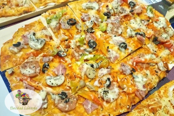 Weego Bistro - Flat Bread Wees Special