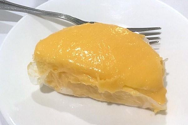 Pendys Half-Moon Cakes